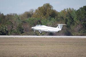 Aero_Vodochody_L-29_Delfin_Beetle_Takeoff_03_TICO_13March2010_%2814598749272%29.jpg