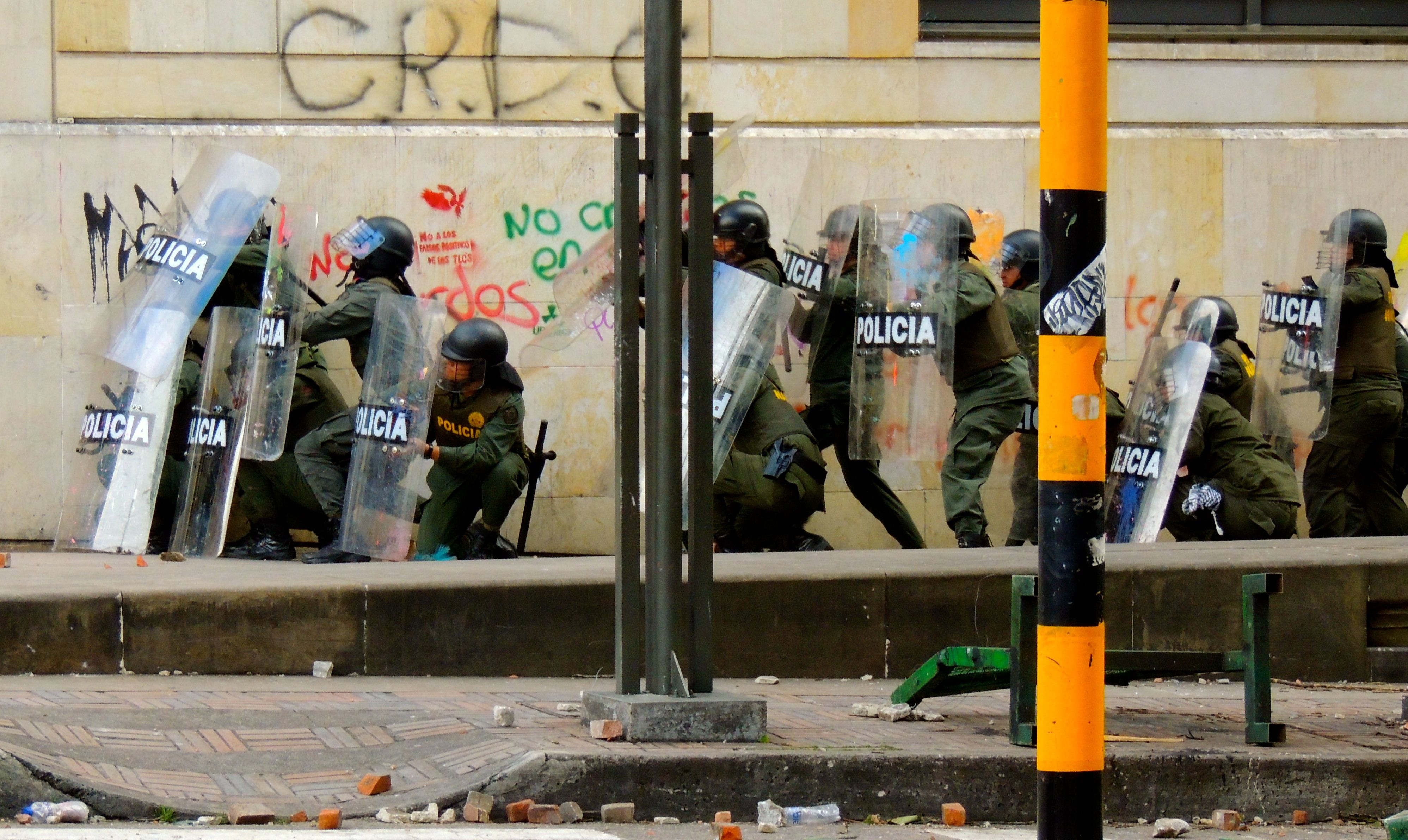 protest_bogota_police_riot%281%29.jpg