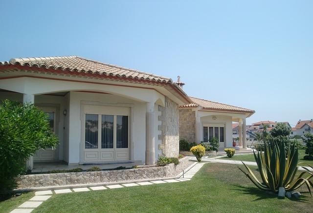 villa-194671_640.jpg
